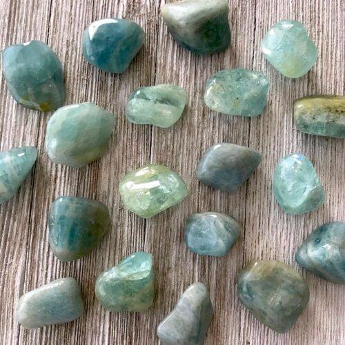 Aquamarine tumbled stone Yatzuri