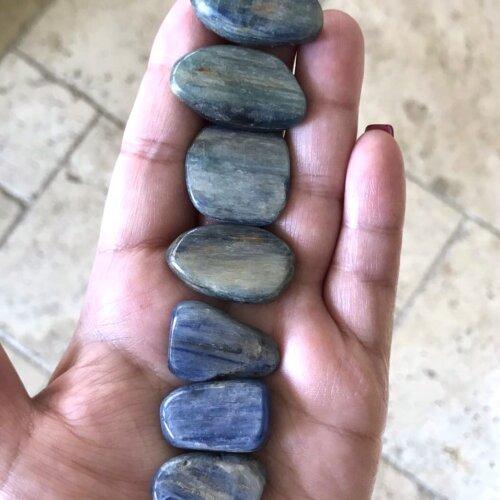Blue Kyanite Tumbled Stone Yatzuri