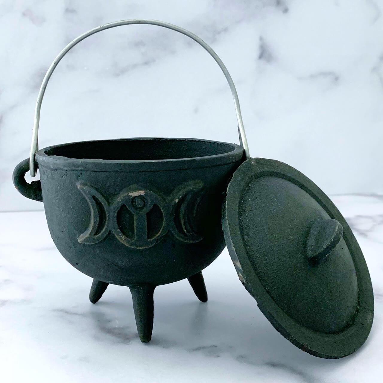 4.5 inch Triple Moon Cauldron Yatzuri